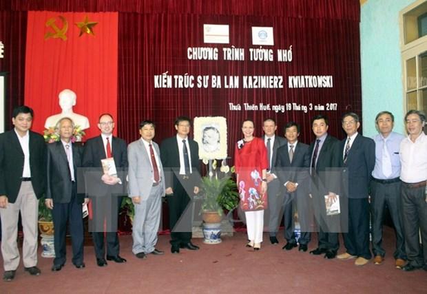 Vietnam honra a arquitecto polaco por su aporte a conservacion de patrimonios culturales hinh anh 1