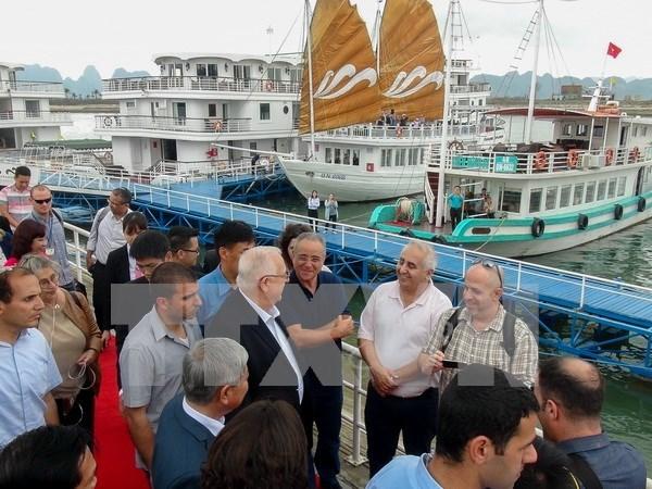 Presidente de Israel visita Bahia de Ha Long hinh anh 1