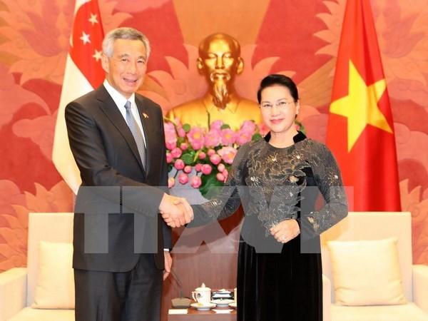 Sugieren establecer grupo de parlamentarios de amistad Singapur-Vietnam hinh anh 1