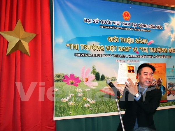 Publican manual sobre mercado vietnamita en Republica Checa hinh anh 1