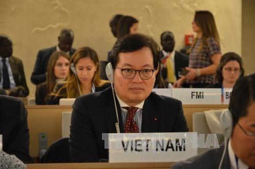 Vietnam reitera necesidad de promover dialogos para resolver disputas hinh anh 1