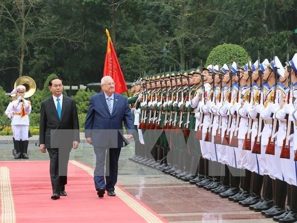 Concluye presidente israeli visita estatal a Vietnam hinh anh 1
