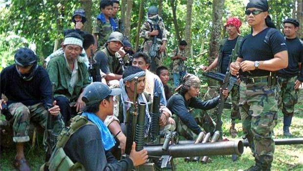 Filipinas rescata a rehenes malasios secuestrados por Abu Sayyaf hinh anh 1