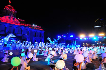 Provincia vietnamita moviliza fondos para festival maritimo hinh anh 1