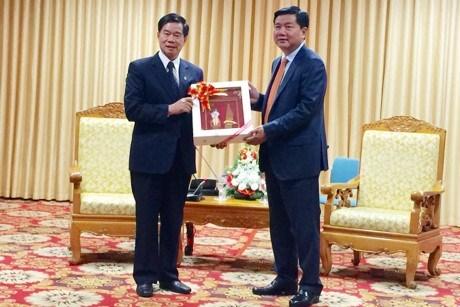 Ciudad Ho Chi Minh y Vientiane intensifican cooperacion hinh anh 1