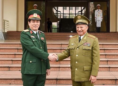 Vietnam y Cuba ratifican esfuerzos por impulsar nexos en defensa hinh anh 1