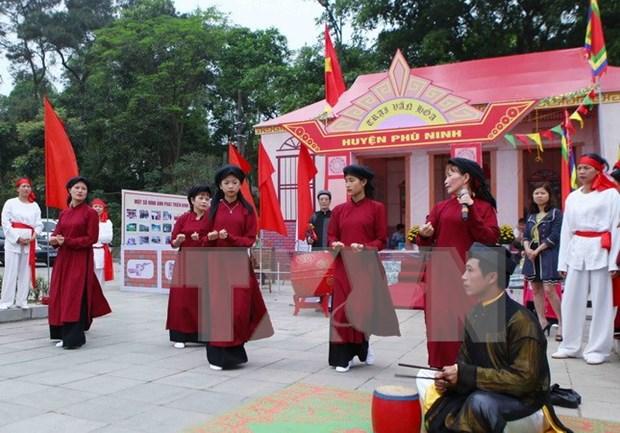 Phu Tho persiste en conservar y promover valores de canto patrimonial hinh anh 1