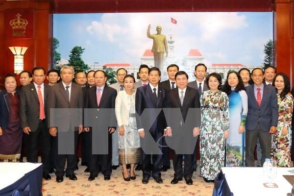 Ciudad Ho Chi Minh y Vientiane impulsan despliegue de acuerdos de cooperacion hinh anh 1