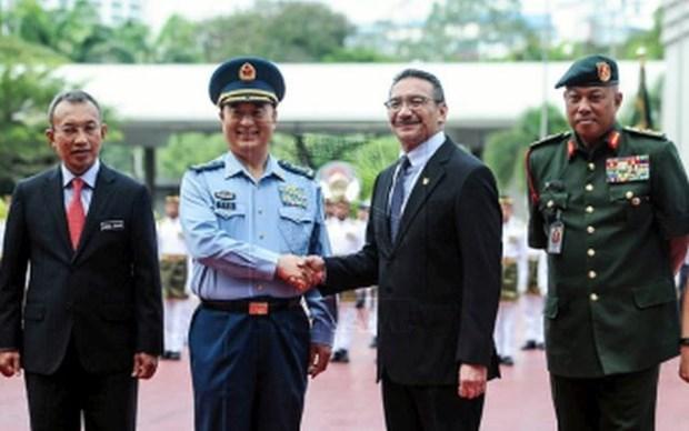 China y Malasia robustecen cooperacion militar hinh anh 1