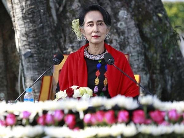 Myanmar: San Suu Kyi se compromete a construir una federacion unida hinh anh 1