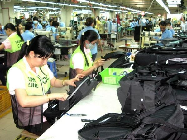 Reportan leve aumento de indice de produccion industrial de Vietnam hinh anh 1