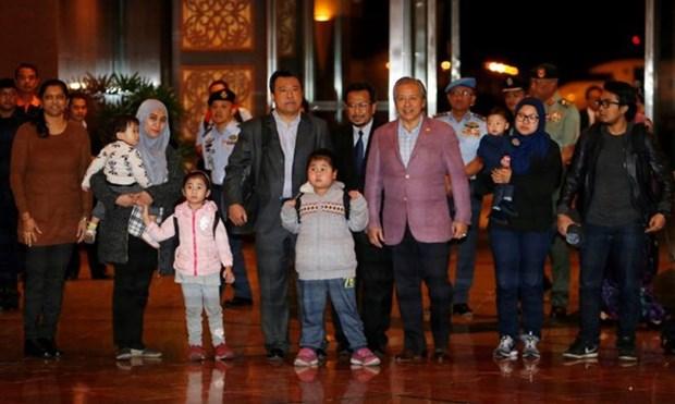 Ciudadanos malasios fueron repatriados en virtud de tratado con RPDC hinh anh 1