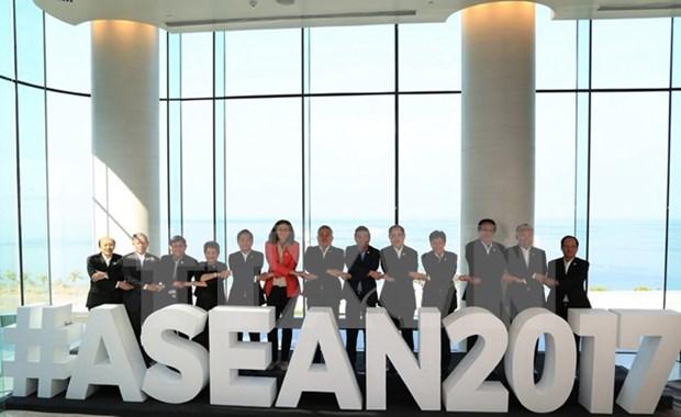 La ASEAN en su 50 aniversario: Oportunidades y desafios hinh anh 1