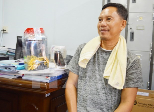 Condena Vietnam a expolicia camboyano por trafico ilegal de oro hinh anh 1