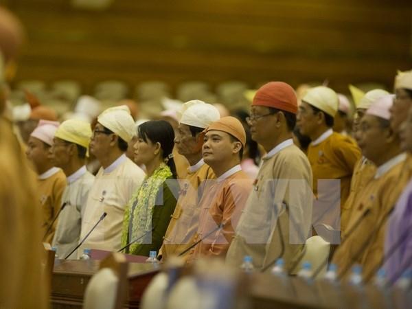 Celebran en Myanmar elecciones parlamentarias parciales hinh anh 1