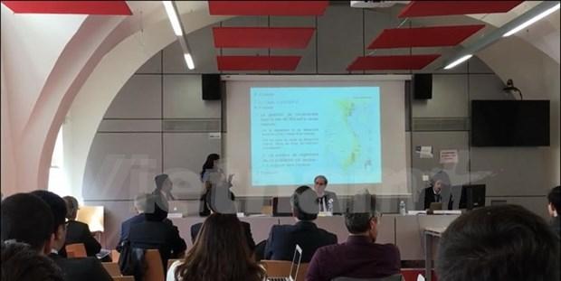 Sesiona en Francia seminario sobre ASEAN y su papel para resolver disputas en Mar del Este hinh anh 1