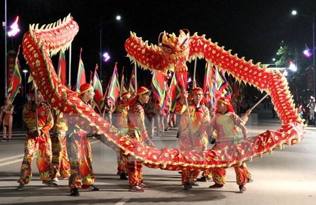 Gran concurrencia al festival dedicado a fundadores legendarios de la nacion hinh anh 1