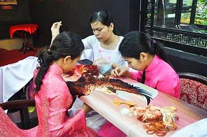 Festival en provincia vietnamita preserva oficios tradicionales hinh anh 1