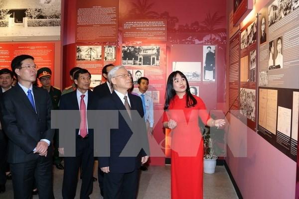 Exposicion honra al exsecretario general del PCV Le Duan hinh anh 1