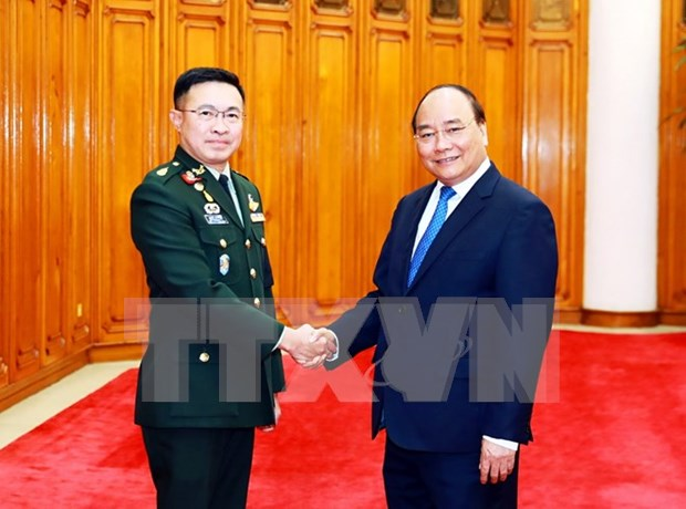 Premier de Vietnam recibe a comandante de fuerzas de defensa de ejercito tailandes hinh anh 1