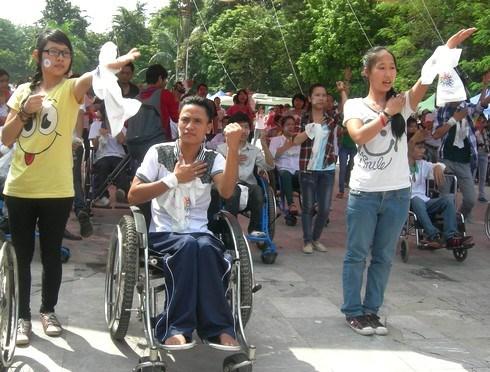 Mas de seis millones de vietnamitas con discapacidad reciben ayuda del Estado hinh anh 1