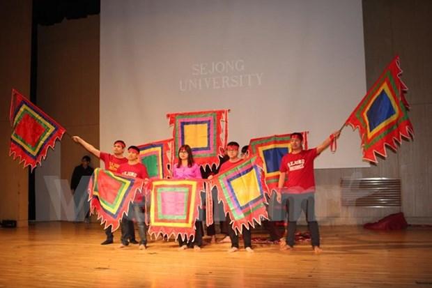 Celebran programa de intercambio entre estudiantes de Vietnam, Laos y Camboya hinh anh 1