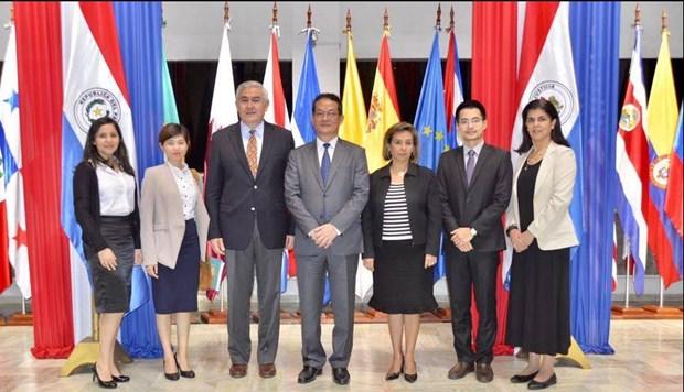Vietnam y Paraguay intensifican relaciones comerciales hinh anh 1