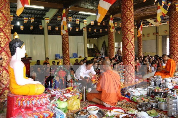 Khmeres en Tra Vinh festejan Chol Chnam Thmay hinh anh 1