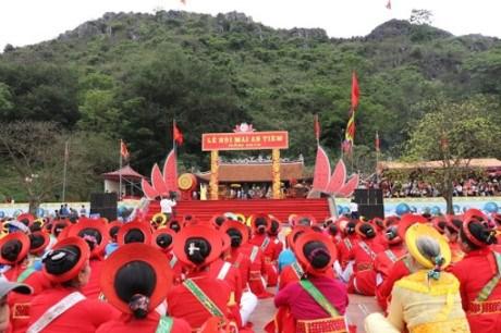 Efectuan festival dedicado a fundador legendario del cultivo en Thanh Hoa hinh anh 1
