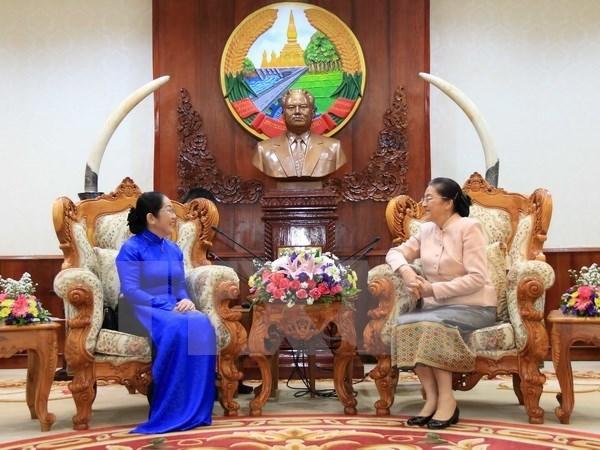 Laos aspira a estudiar experiencias de Vietnam en gestion de recursos del terreno hinh anh 1