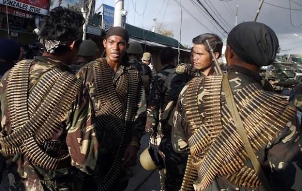 Al menos nueve muertos en combates entre Abu Sayyaf y soldados en Filipinas hinh anh 1