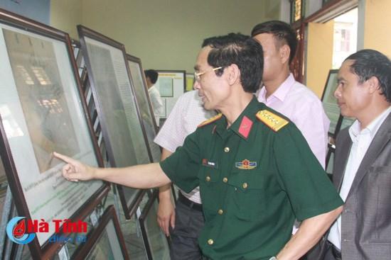 Exhiben muestras de soberania maritima de Vietnam en Ha Tinh hinh anh 1