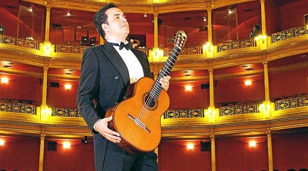 Sonara en Vietnam la guitarra de Mauricio Diaz Alvarez hinh anh 1