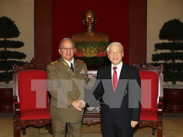 Ministro de las Fuerzas Armadas Revolucionarias de Cuba destaca visita a Vietnam hinh anh 1