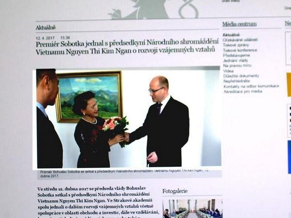 Prensa checa acapara visita de presidenta parlamentaria de Vietnam hinh anh 1