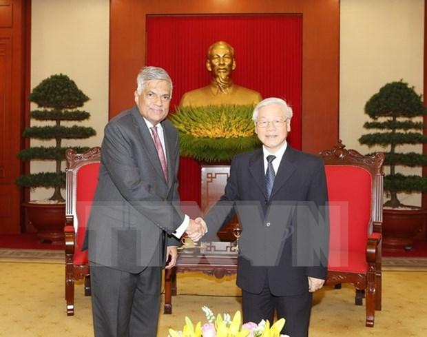 Lideres vietnamitas reciben a primer ministro de Sri Lanka hinh anh 1