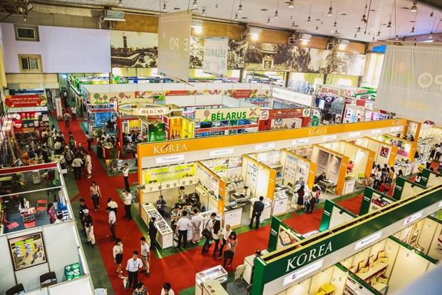 Abriran en Hanoi mayor feria internacional de comercio de Vietnam hinh anh 1