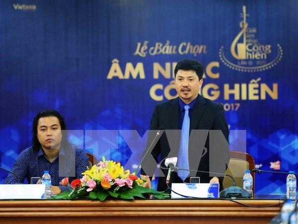 """Periodistas vietnamitas eligen premios musicales """"Dedicacion"""" 2017 hinh anh 1"""