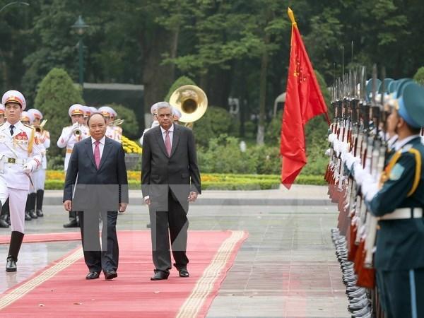 Premier de Sri Lanka concluye visita a Vietnam hinh anh 1