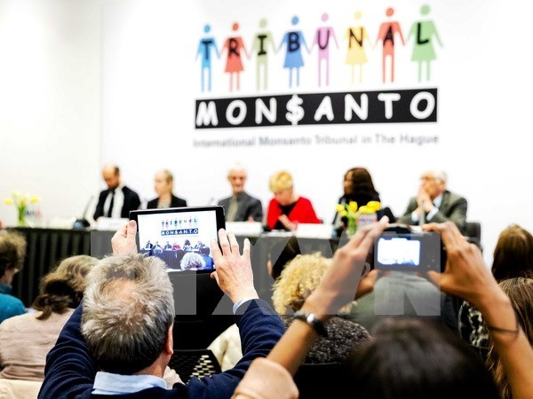 Dos eurodiputados demandan instituir Comision de Investigacion sobre actividades de Monsanto hinh anh 1