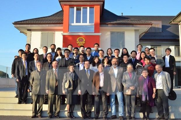 Celebran Foro de intelectuales jovenes vietnamitas en Suiza hinh anh 1