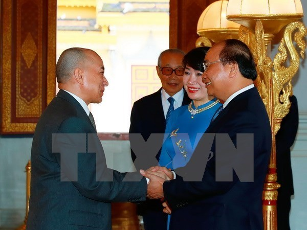 Primer ministro vietnamita inicia visita a Camboya hinh anh 1