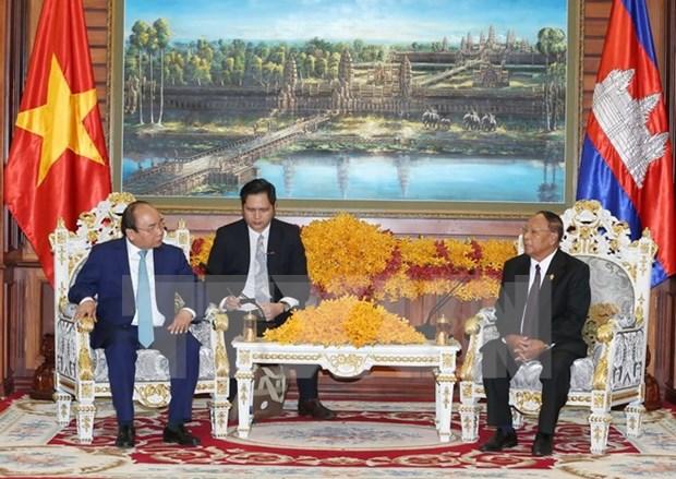 Premier vietnamita continua agenda de trabajo en Camboya hinh anh 1