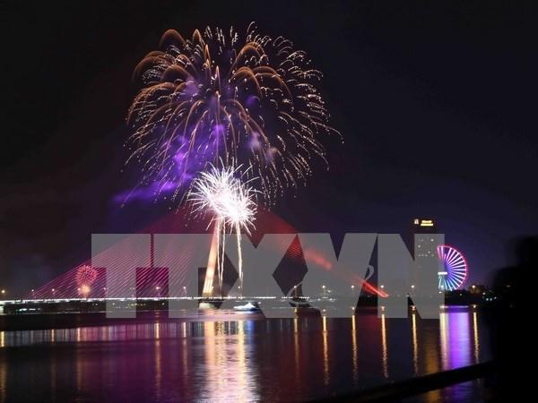 Da Nang lista para Festival internacional de fuegos artificiales 2017 hinh anh 1