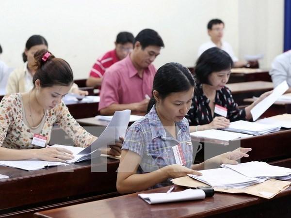 Aumenta en Vietnam salario basico de empleados publicos hinh anh 1