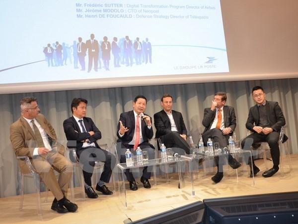 Francia impulsa cooperacion con Vietnam en tecnologias informaticas hinh anh 1