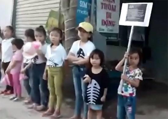 Veteranos de guerra repudian violaciones de sacerdote a leyes vietnamitas hinh anh 1