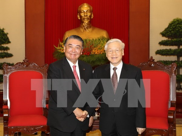 Lider partidista de Vietnam satisfecho ante desarrollo de relaciones con Japon hinh anh 1