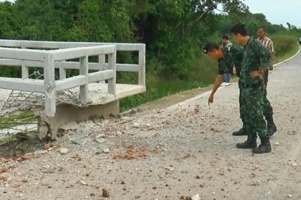 Policias tailandesas heridas por explosion de bomba en la frontera con Malasia hinh anh 1