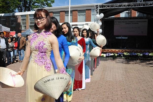 Imagenes de Vietnam en Festival Primaveral en Bruselas conquistan corazon de participantes hinh anh 1